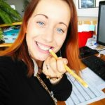 review of rawtoothbrush by Mia Karmínová